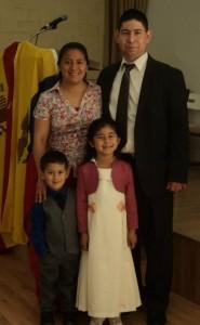 Misionero Leonardo Aguilar y familia